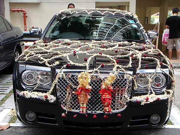 Wedding car decor bridal car decor wedding car for Auto decoration in pakistan